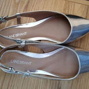 Lane Bryant 8W Silver Cute Flats ~ True to size!
